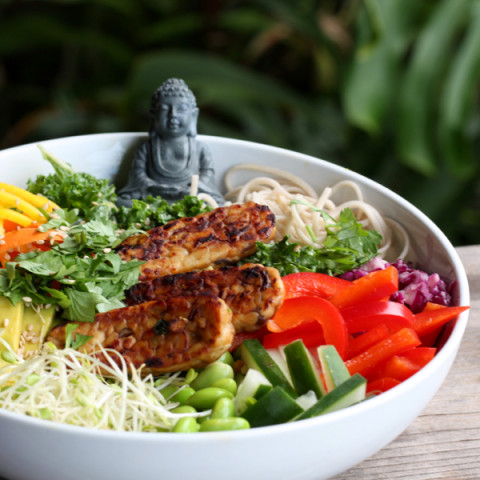 The Art of Buddha Salad Bowls  (english)